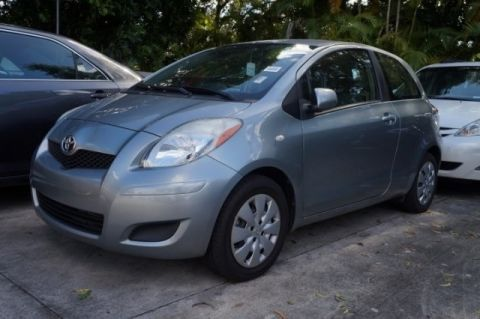 Pre-Owned 2010 Toyota Yaris  FWD 3D Hatchback