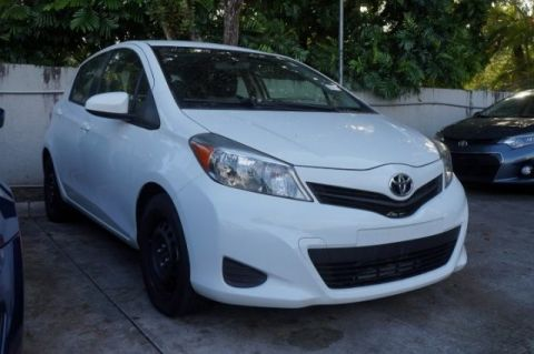 Pre-Owned 2013 Toyota Yaris LE FWD 5D Hatchback