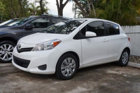 Pre-Owned 2014 Toyota Yaris LE FWD 5D Hatchback