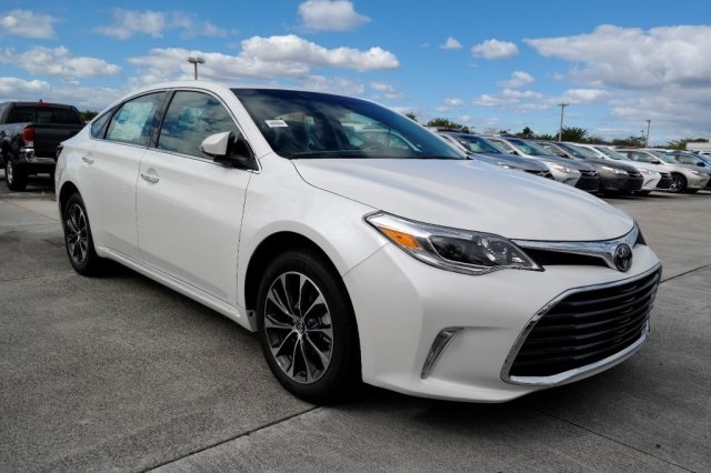 new 2017 toyota avalon xle plus 4d sedan in miami 92124. Black Bedroom Furniture Sets. Home Design Ideas