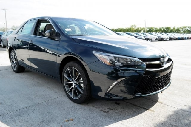 new 2017 toyota camry xse v6 4d sedan in miami 91323 kendall toyota. Black Bedroom Furniture Sets. Home Design Ideas